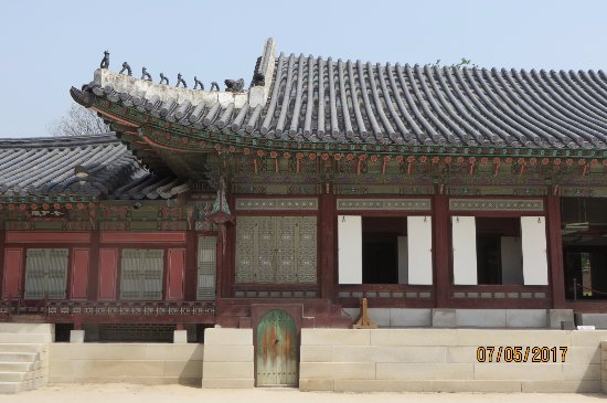 seoul guide tour in palace