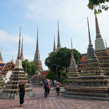 beautiful personal tour guide bangkok
